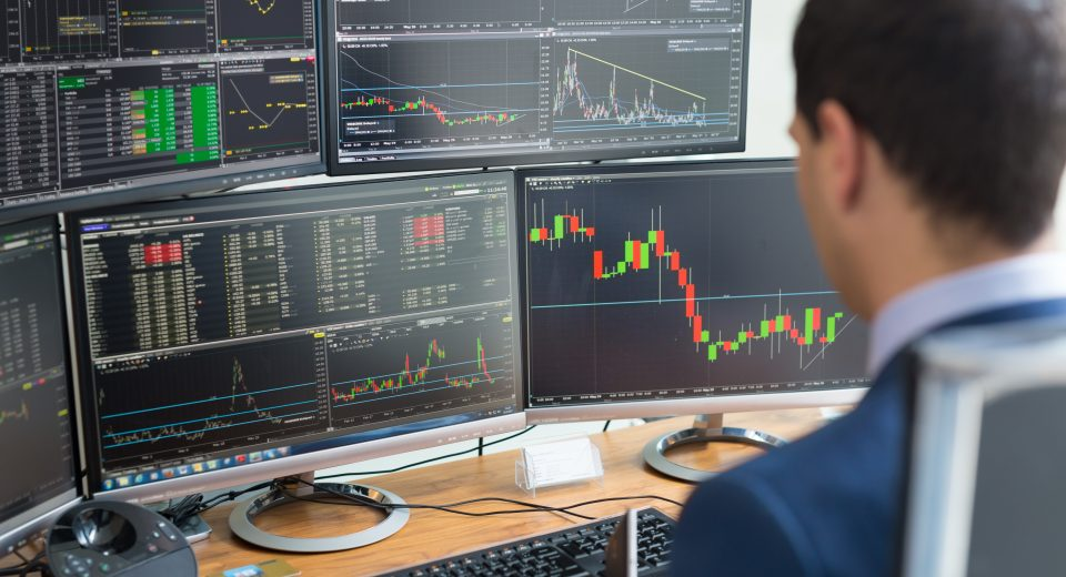 How do Professional Traders Trade?